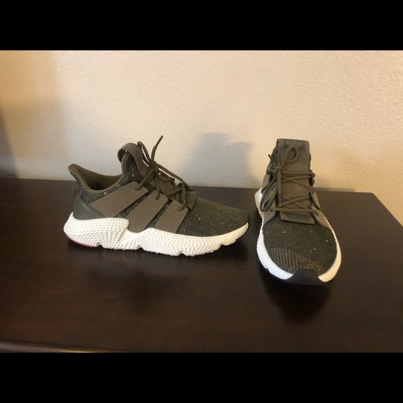 Barely Worn Mens Olive Green Adidas